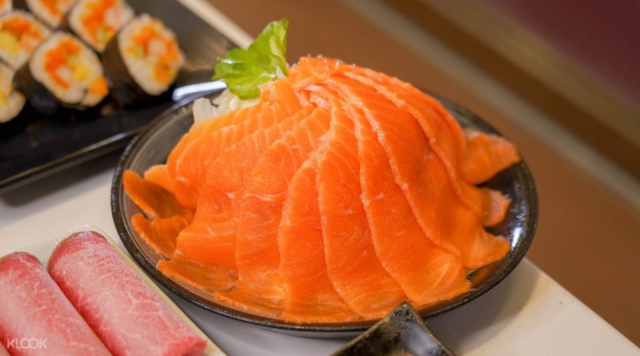 all you can eat sukiyaki at Sukishi Buffet in Bangkok