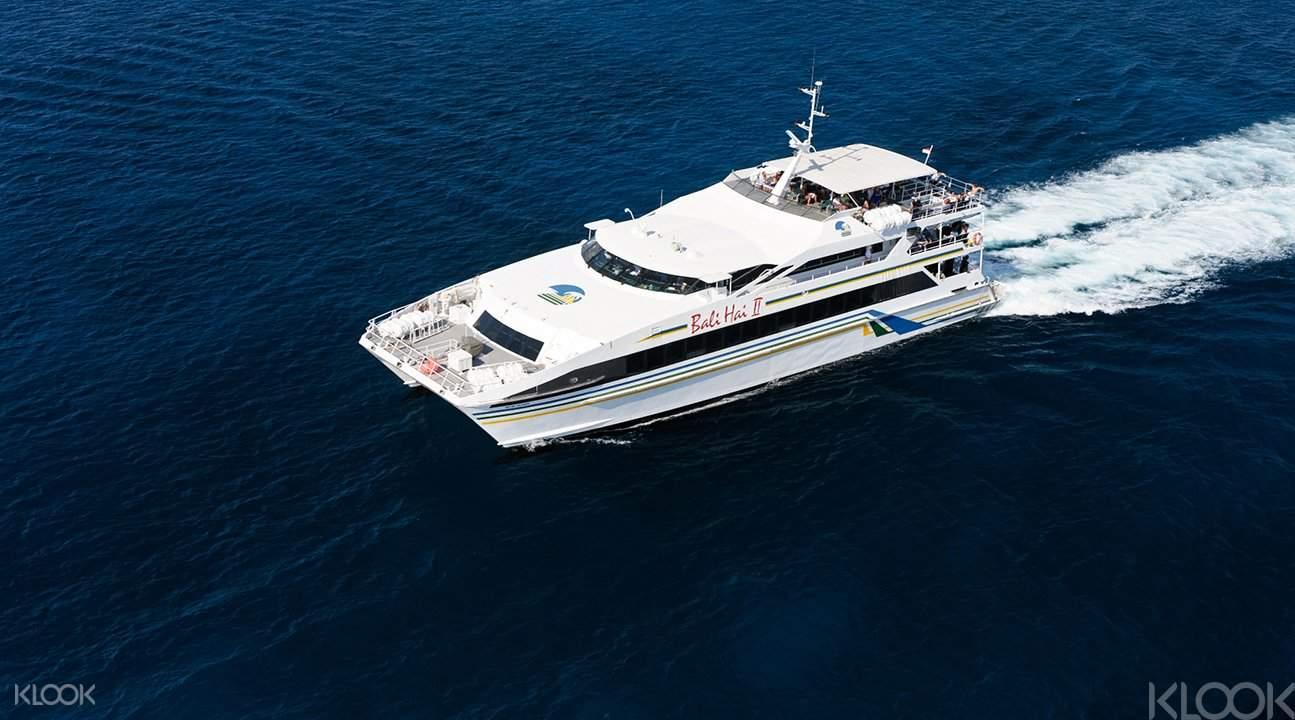 蓝梦岛珊瑚海上艇游