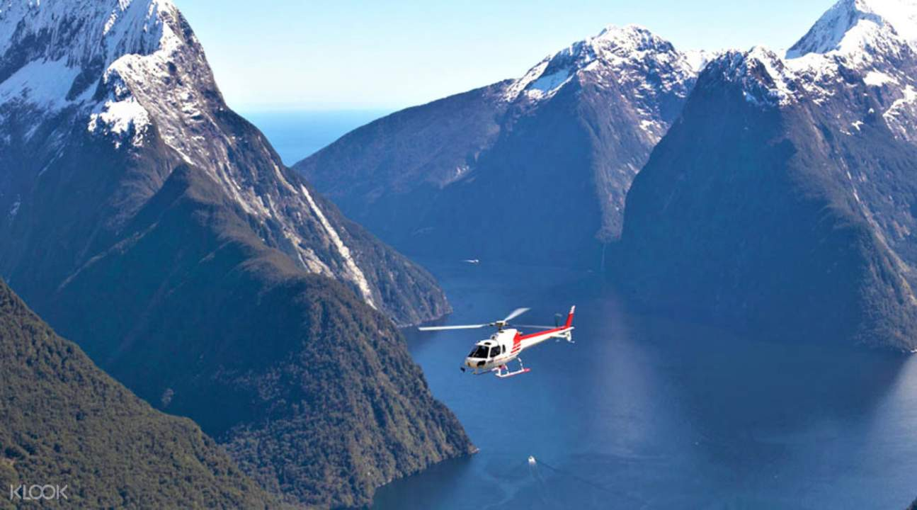 Helicopter Flight Milford Sound