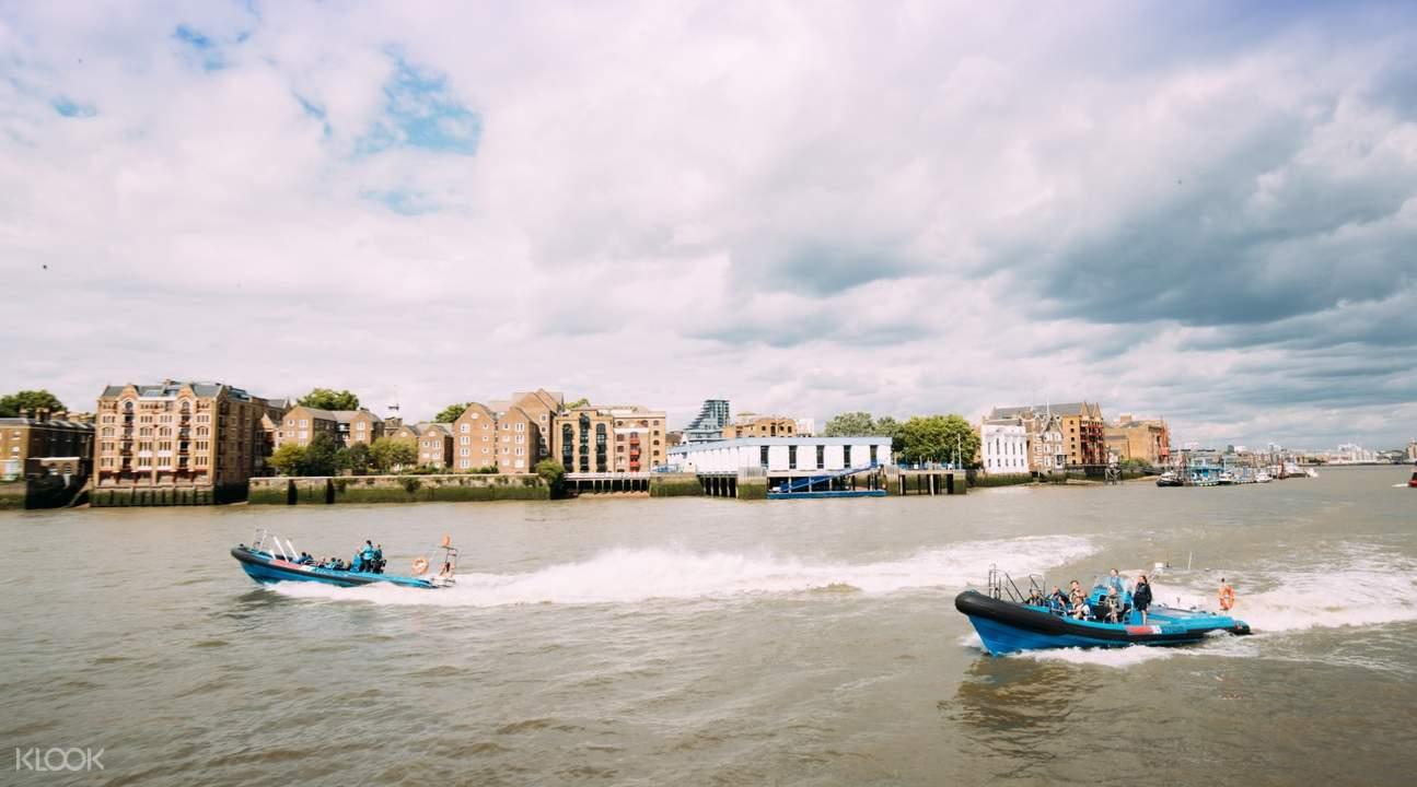 two thames jet speedboat rides