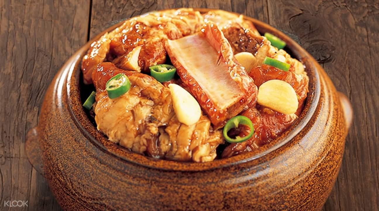 韩国首尔明洞姜虎东白丁腌制的肩膀肉