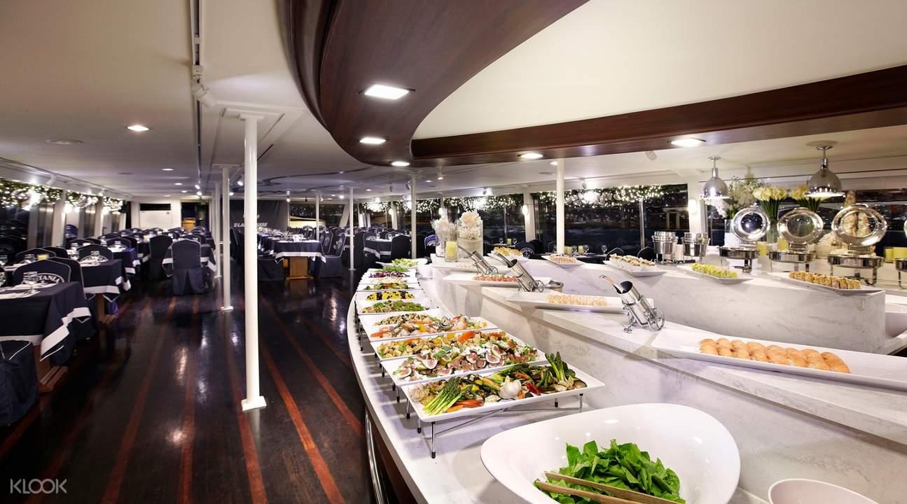 Eland Cruise漢江遊覽船& Ashley自助餐