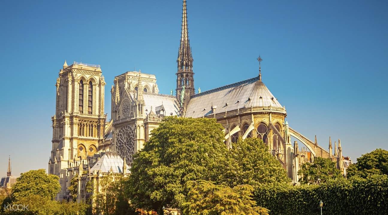 paris and notre dame historical tour