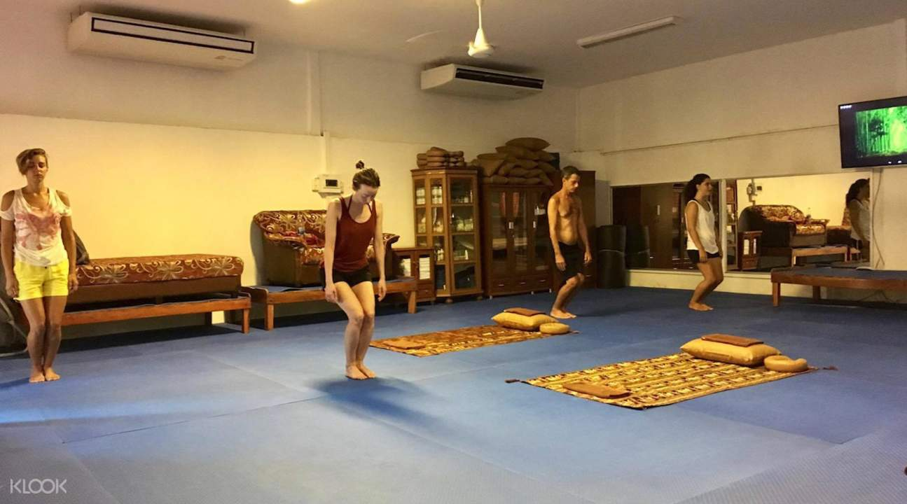 Private Thai Meditation and Yoga Class at Koh Phangan Vocational School