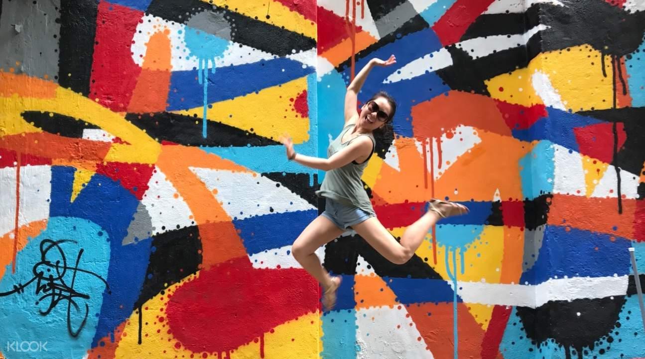 hong kong street art tour