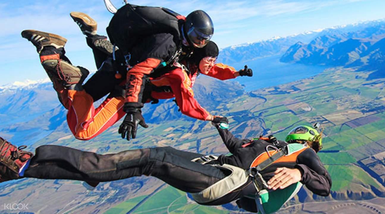 新西兰瓦纳卡跳伞