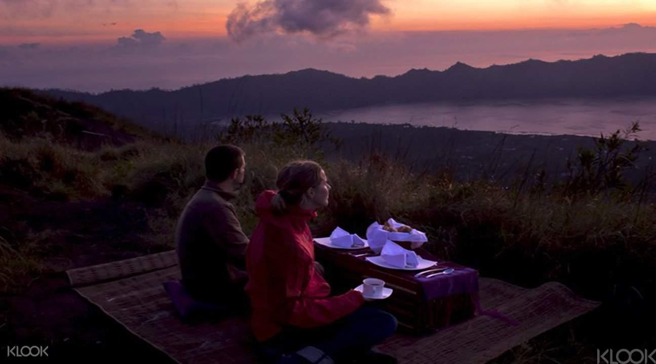 巴杜尔火山日出早餐