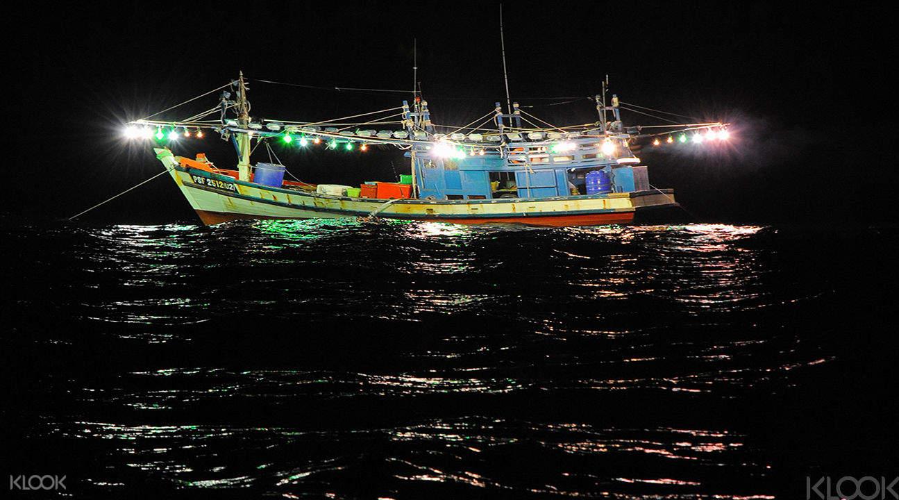 夜间抓虾 + 烤肉PARTY