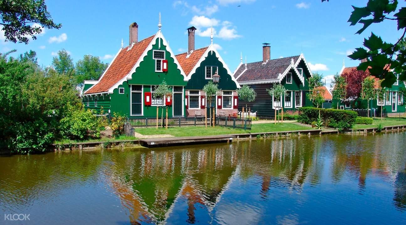 Volendam, Edam & Zaanse Schans Windmill Village Day Tour from Amsterdam