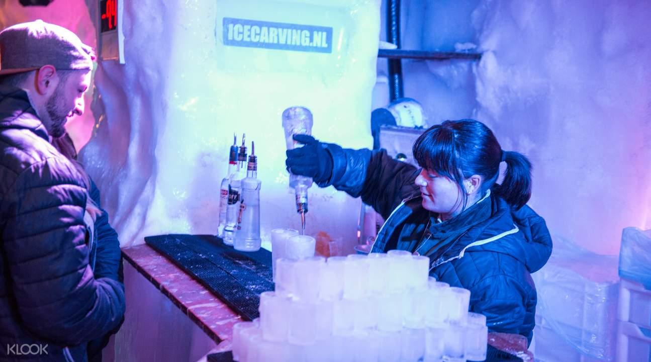 冰酒吧櫃檯
