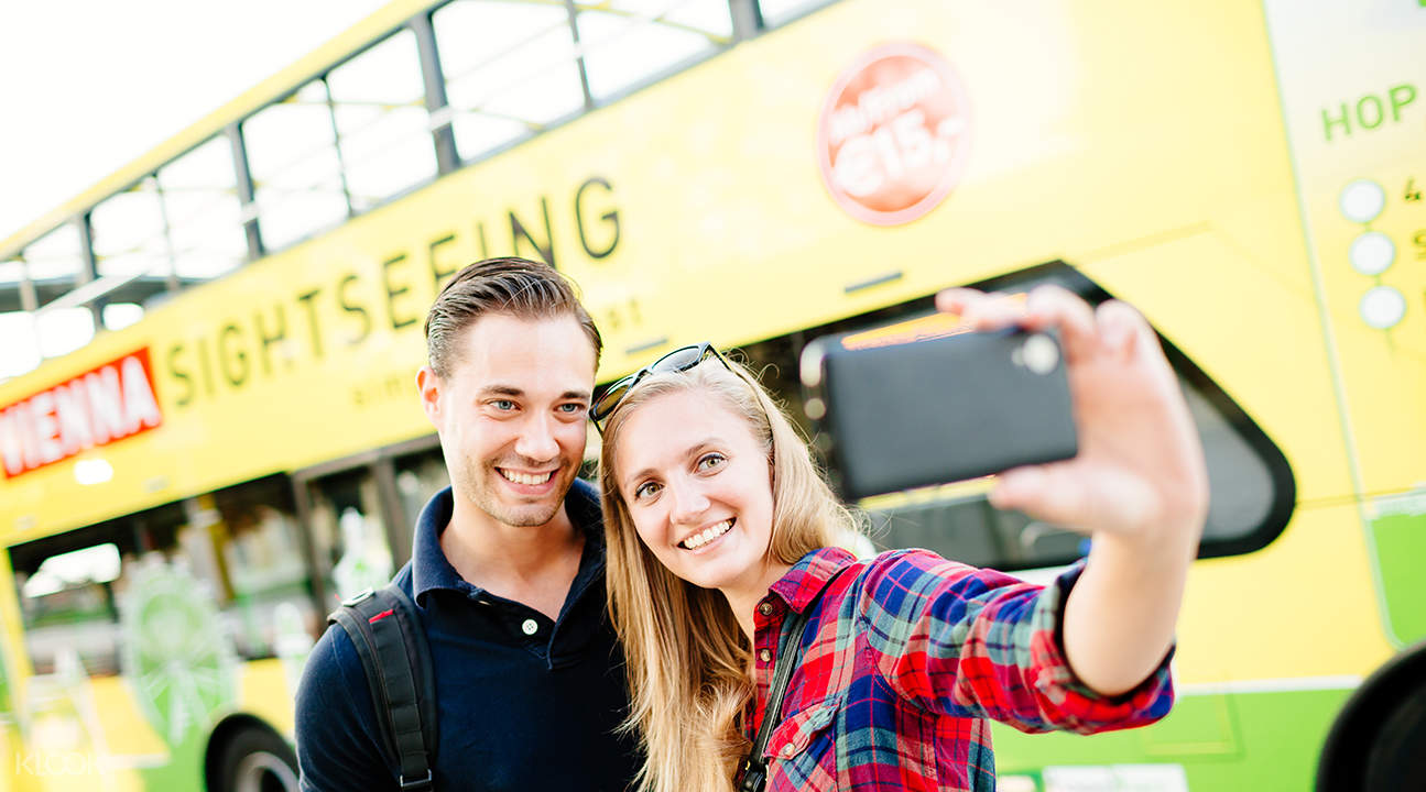 hop on hop off sightseeing bus vienna