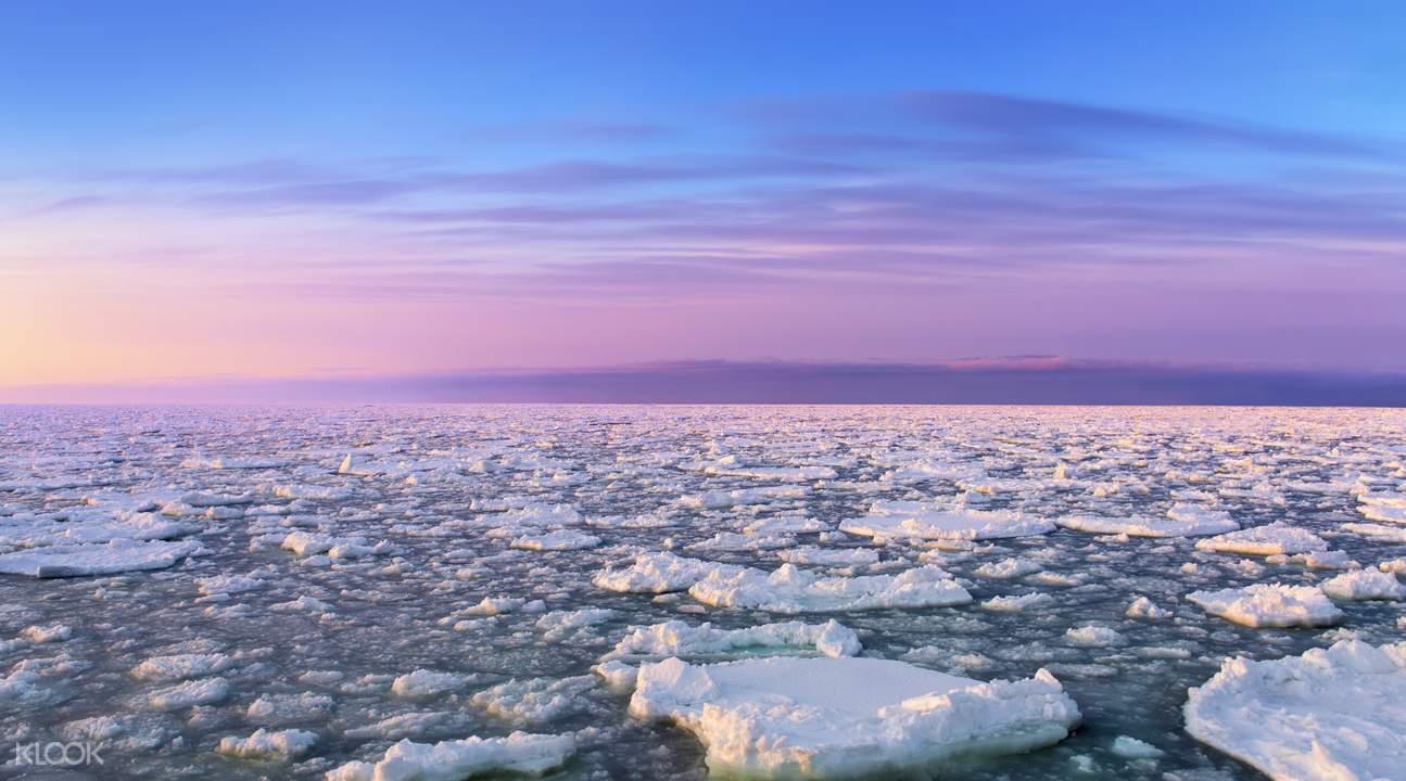 鄂霍茨克的纯净冰洋