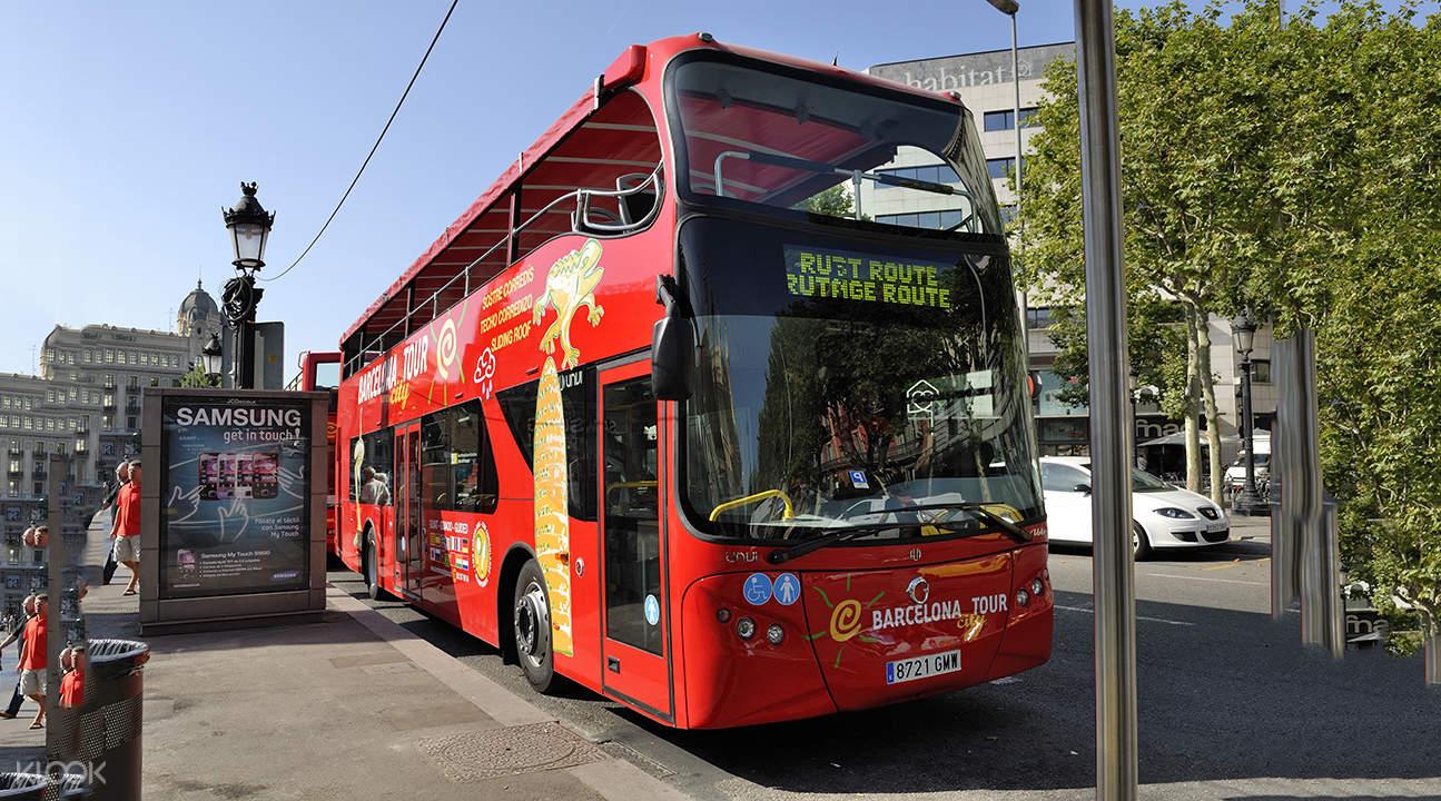 barcelona hop on hop off buses