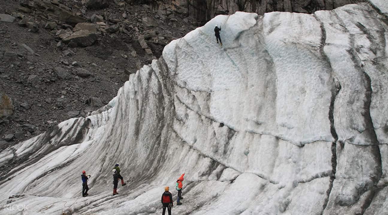fox glacier ice climbing tour