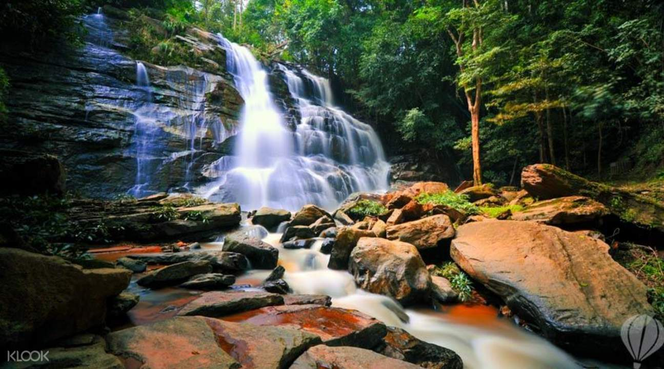 bua tong waterfalls