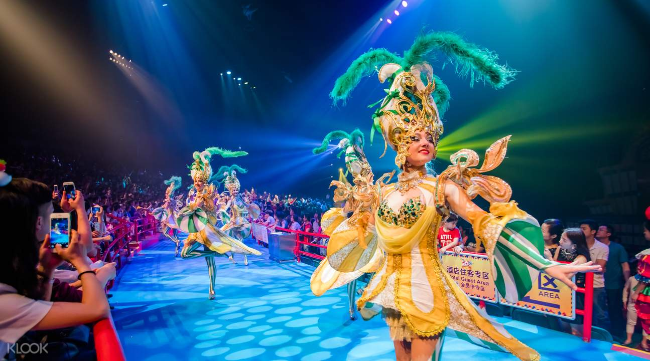 costumes at the chimelong international circus