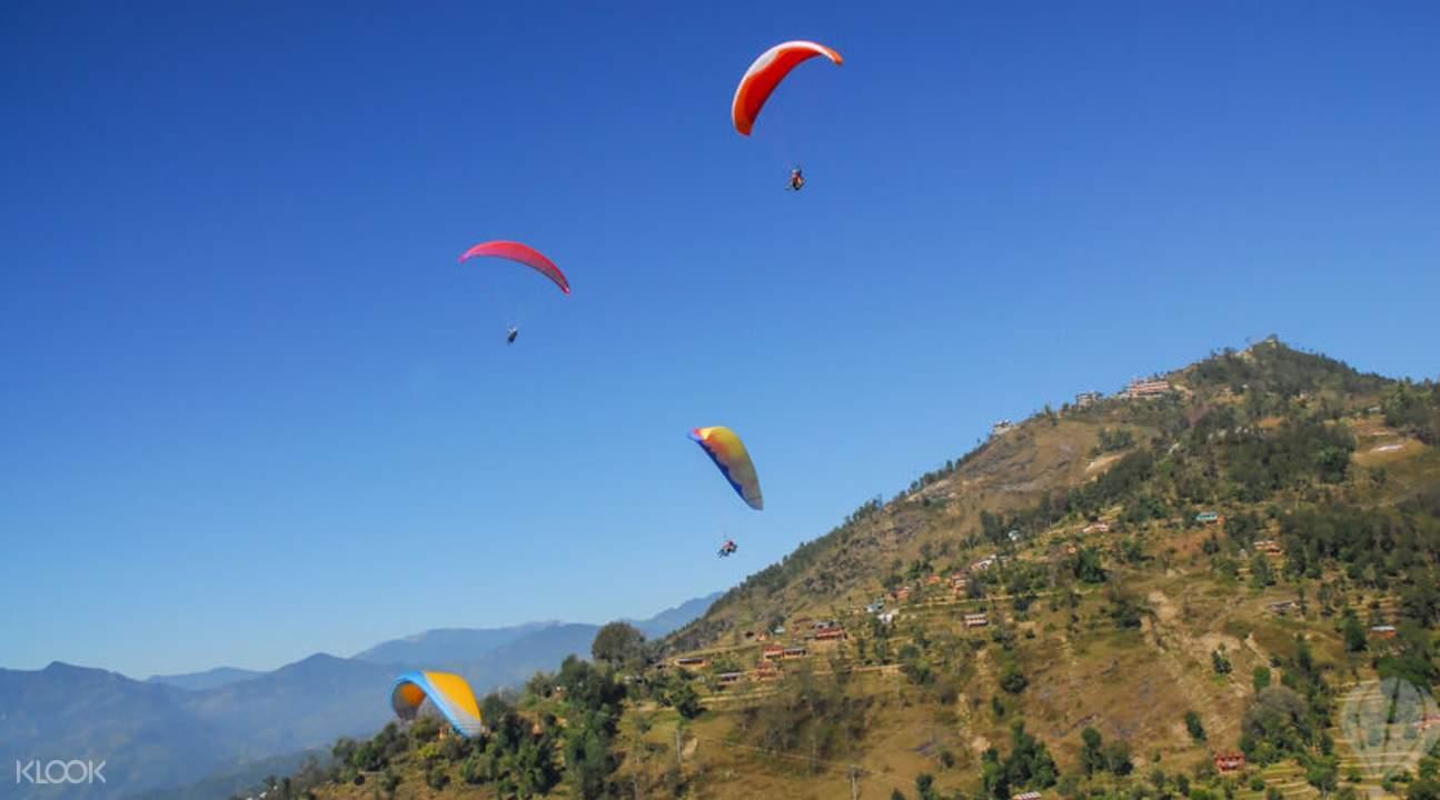 滑翔傘飛越博卡拉