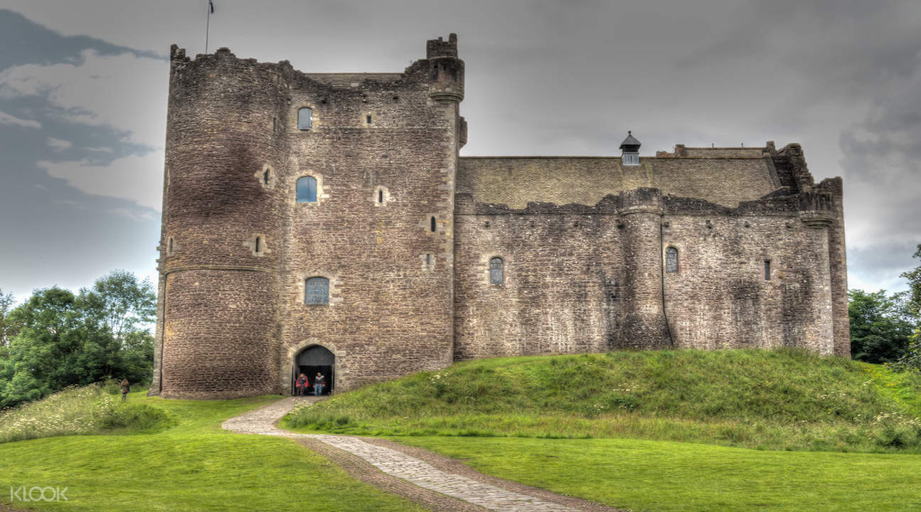 utlander tour, outlander tour from edinburgh, outlander day tours edinburgh, doune castle scotland, doune castle outlander, doune castle tour