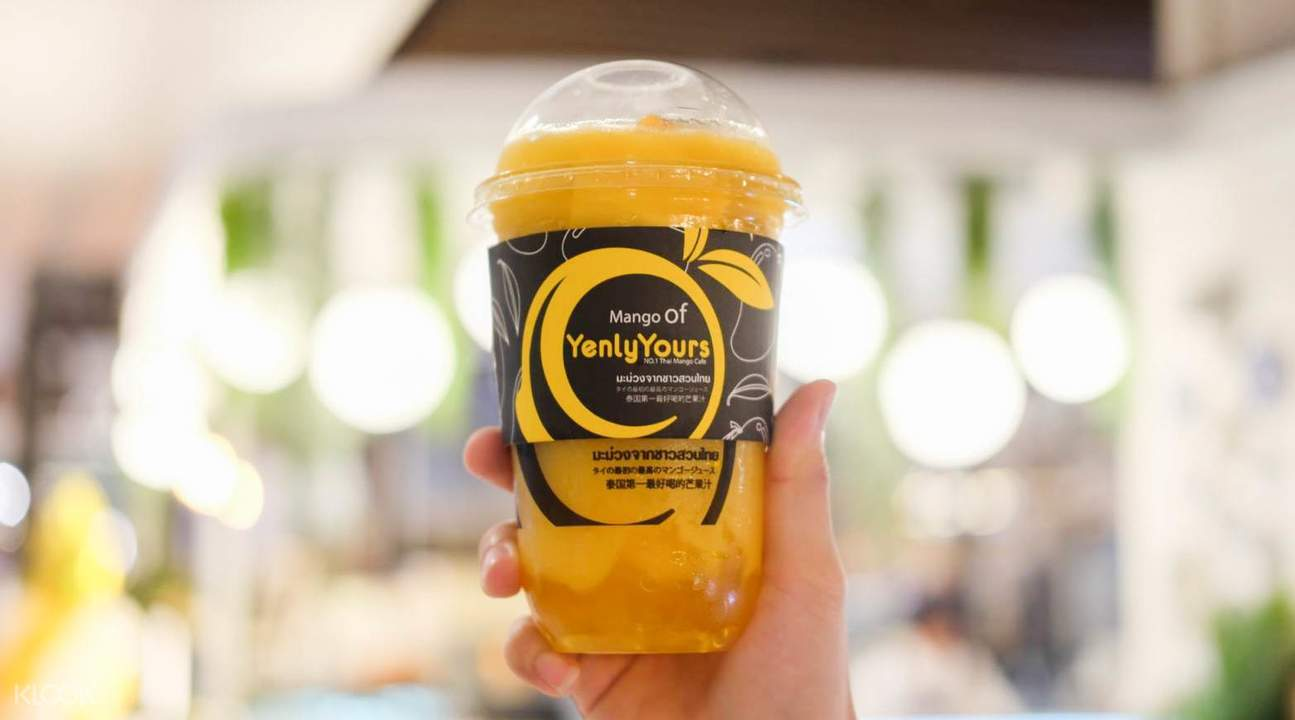 Mango Smoothies and Desserts di Yenly Yours di Bangkok