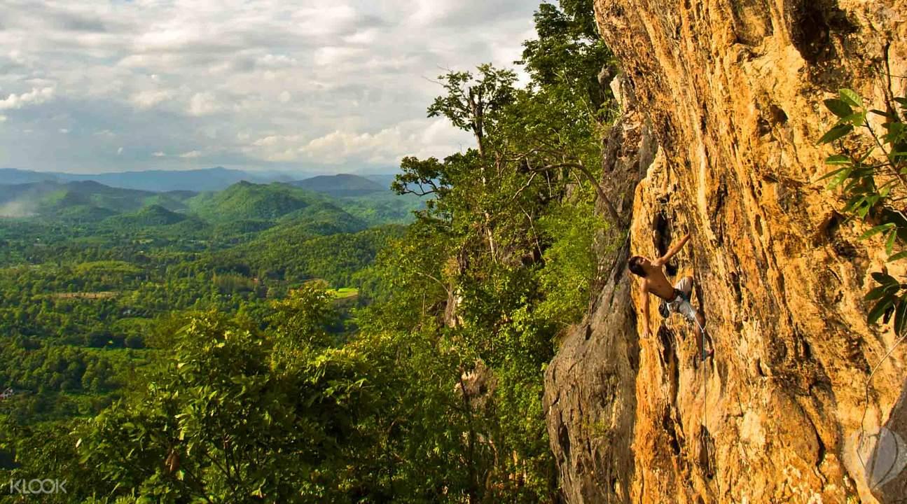 清迈疯马岩攀岩