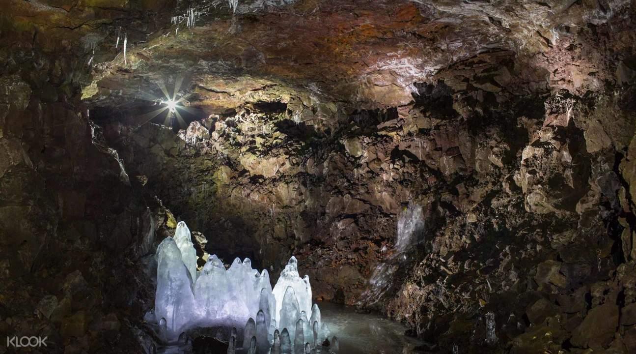熔岩洞探索之旅