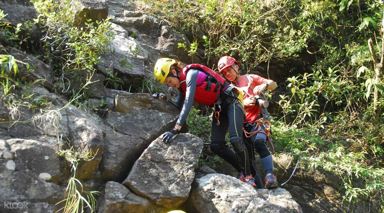 outdoor adventure abseilling
