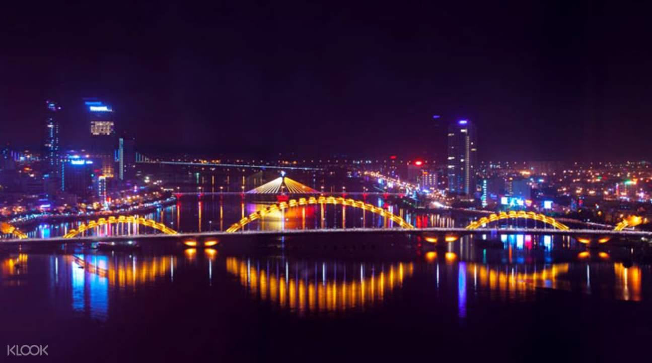 峴港美食夜遊