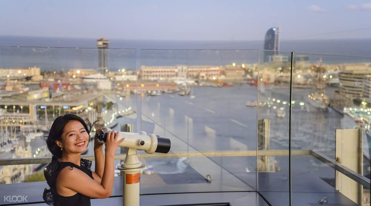 barcelona highlights tour, barcelona magic fountain show, barcelona bus tour