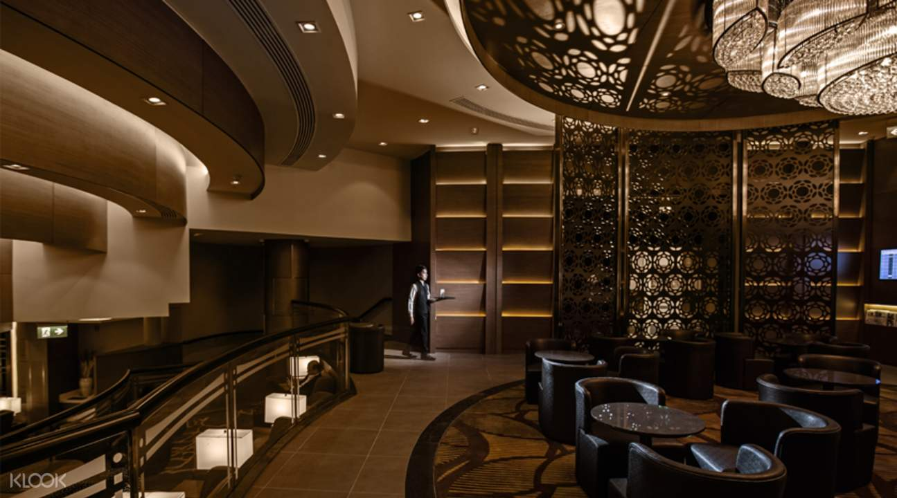 1. Al Ghazal Lounge by Plaza Premium Lounge, Terminal 2, Abu Dhabi International Airport — 21.45 (28.76) images