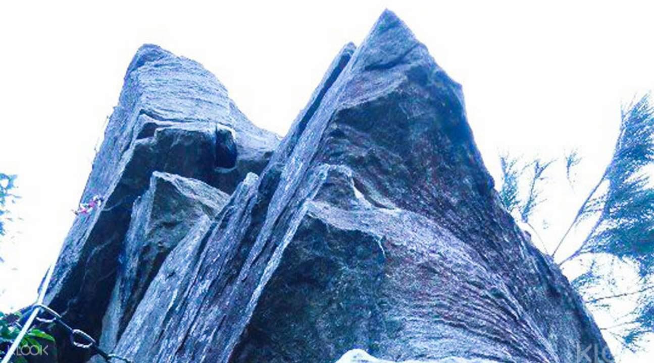 rehai rock climbing