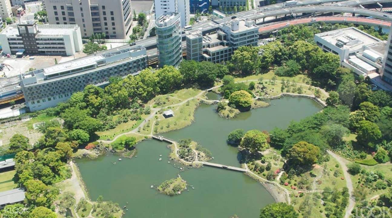 Tokyo lake on this tokyo tour