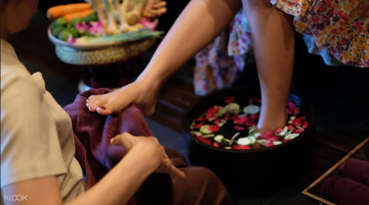 massage therapist Boossabakorn Spa in Krabi Thailand