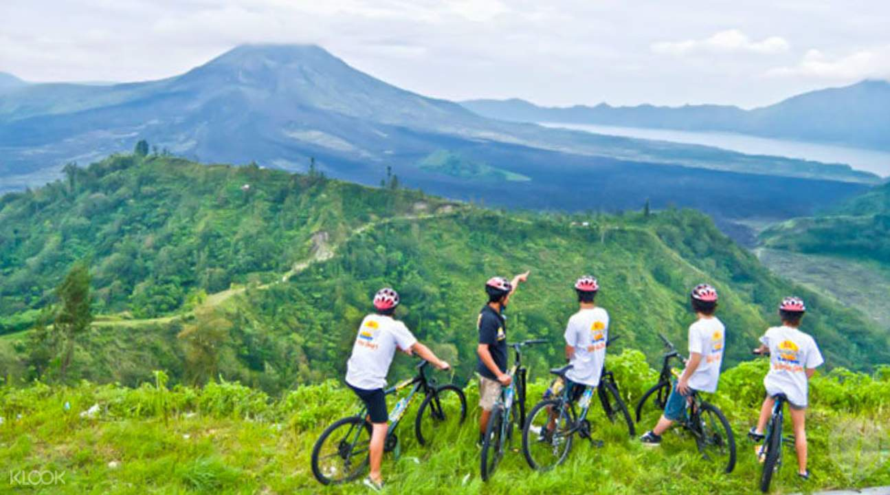 骑行巴杜尔火山