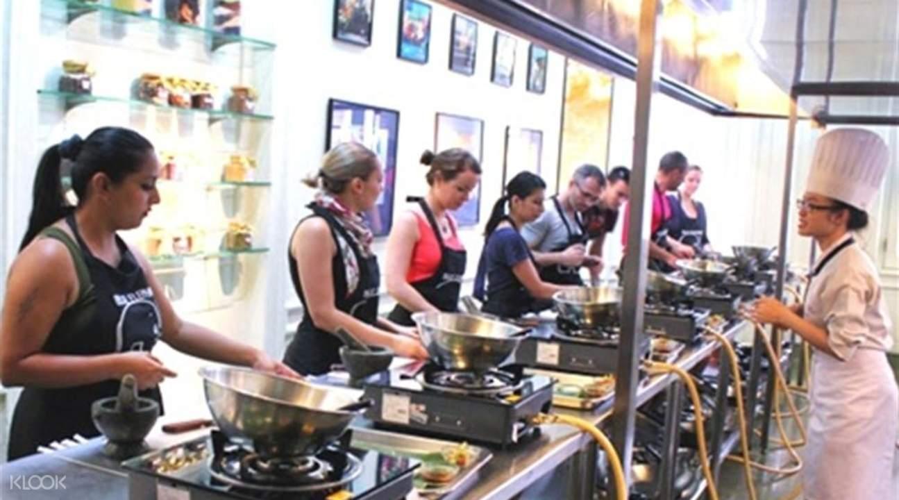 best bangkok cooking class