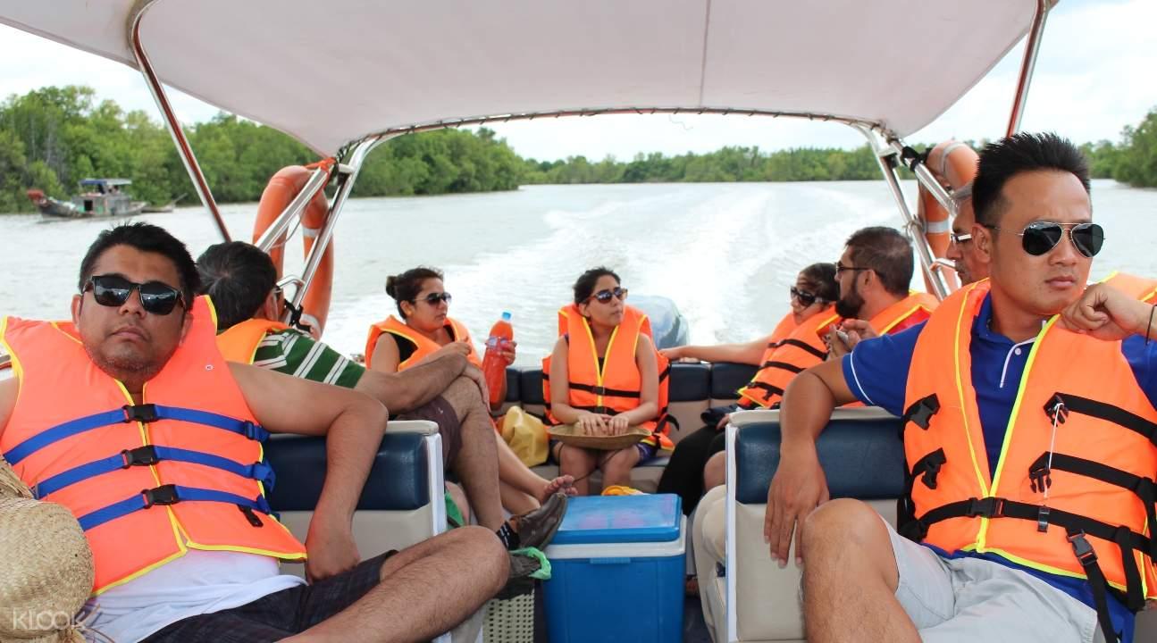 Ride a luxury speedboat around the gorgeous Mekong Delta region of Vietnam