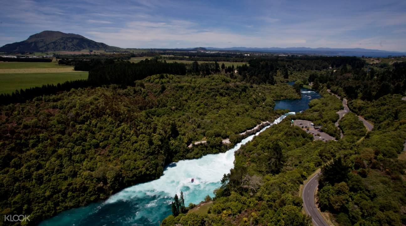 新西兰胡卡瀑布