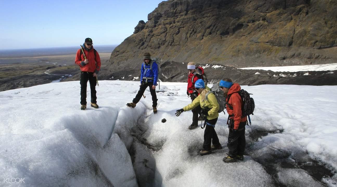 冰岛冰原腹地徒步 & 攀冰体验