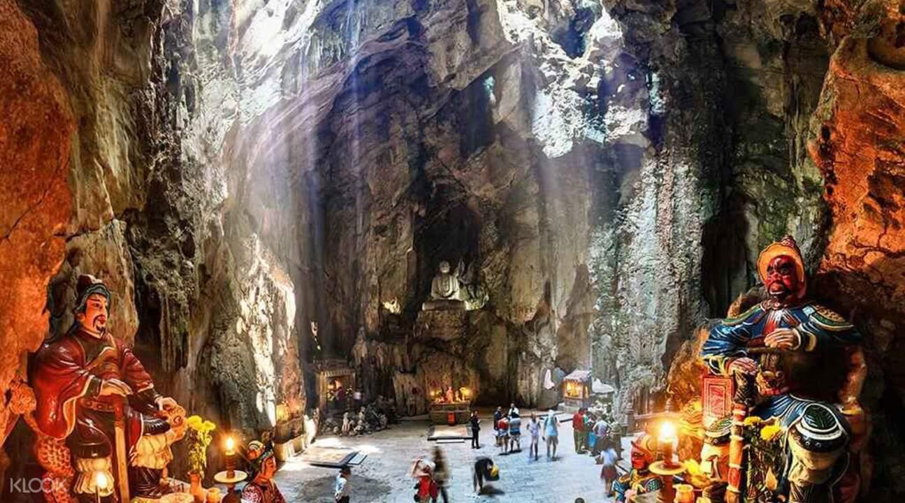Huyen Khong Cave marble mountain