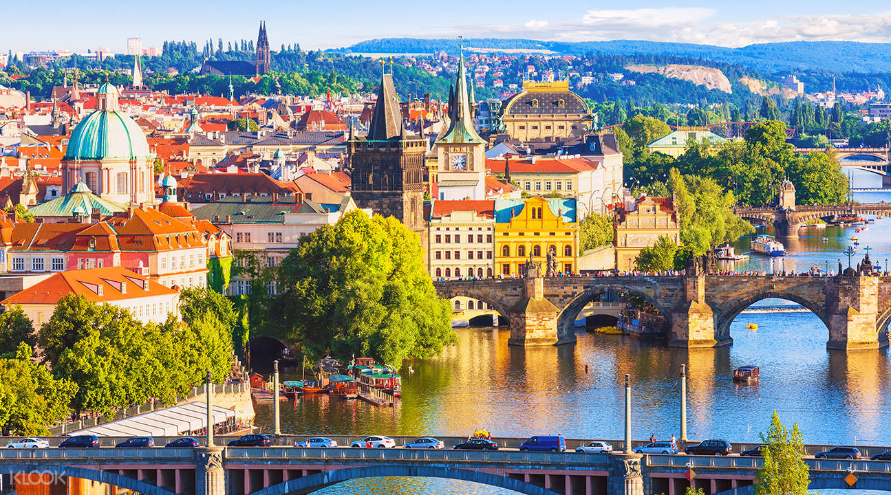 prague day tour from vienna