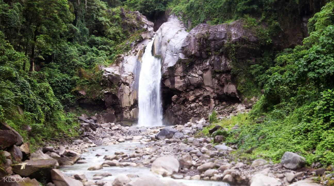林賈尼山Mangku Sakti瀑布