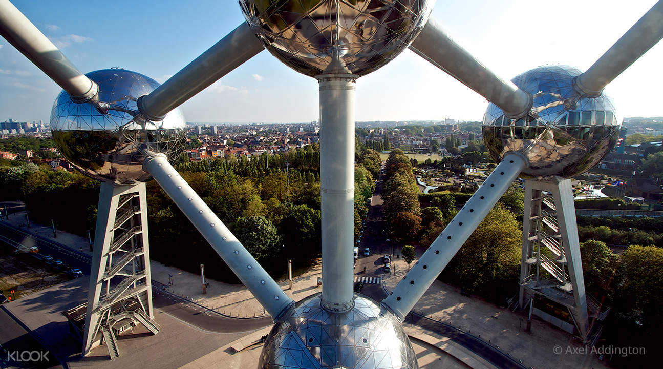 spheres of atomium brussels