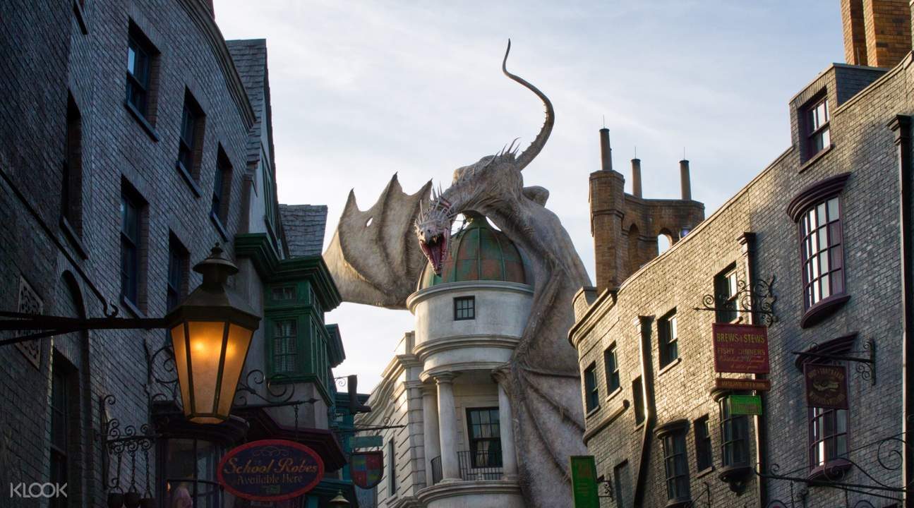 universal orlando Gringotts Wizarding Bank
