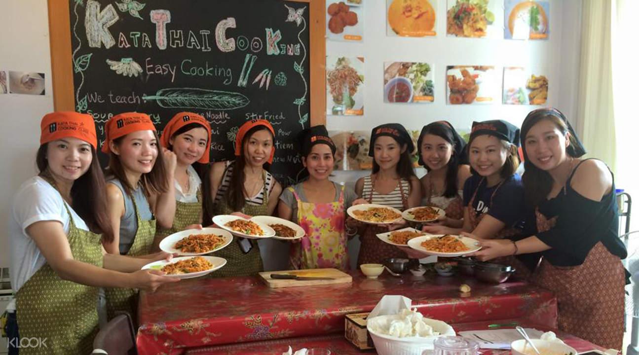 thai kooking class at kata thai