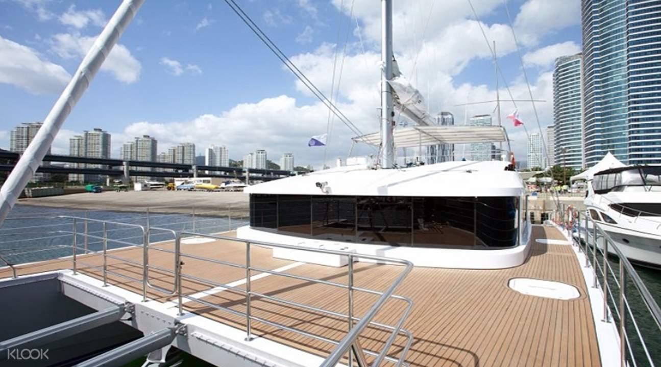cruise in diamond bay busan