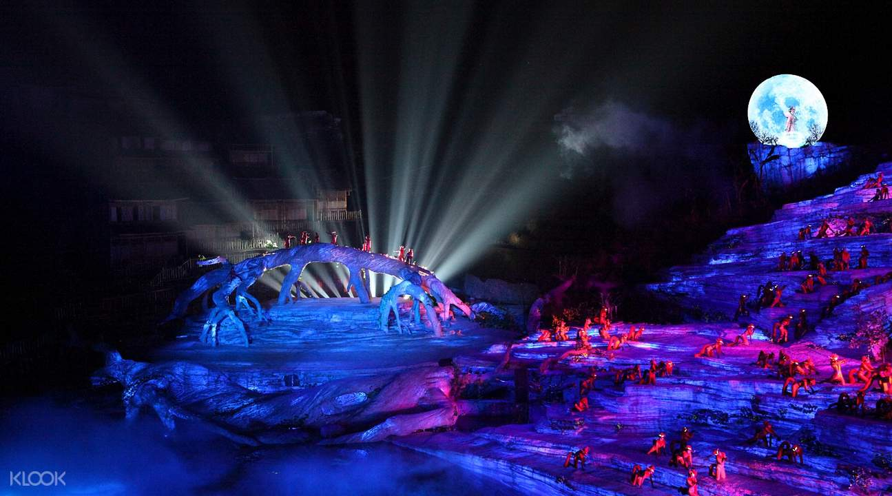 Special lightings and audio-visual effects in Tianmen Fox Fairy Show