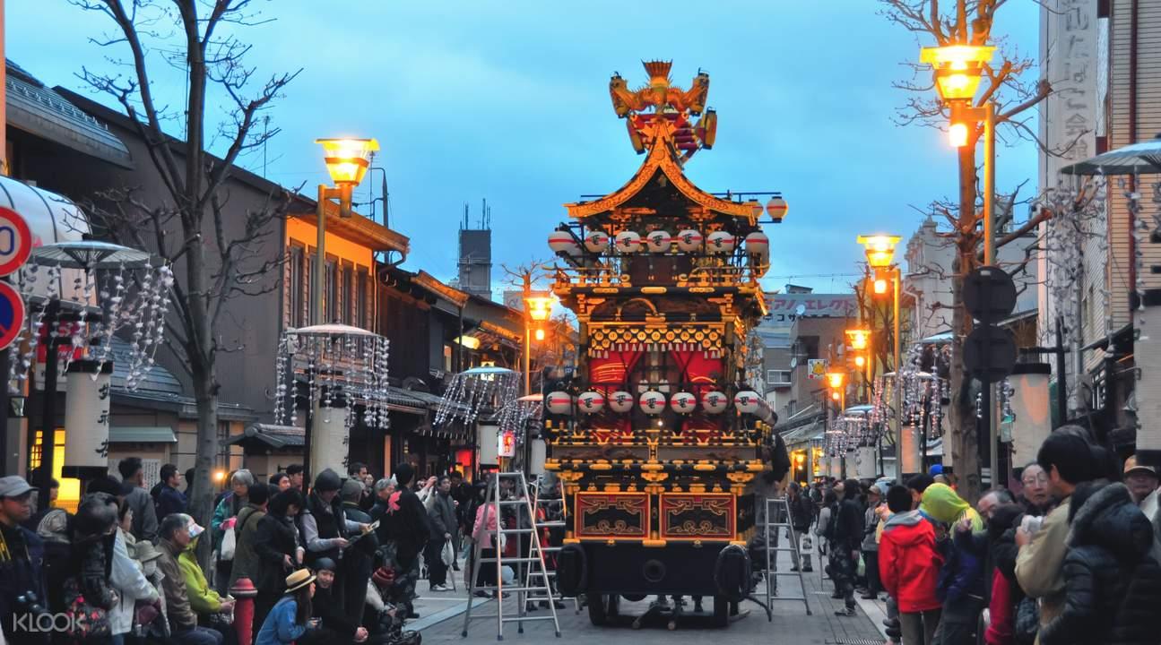 高山祭花車