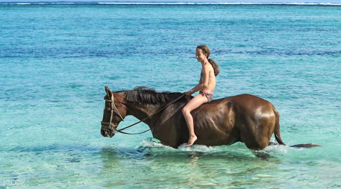 Le Morne 海濱策馬