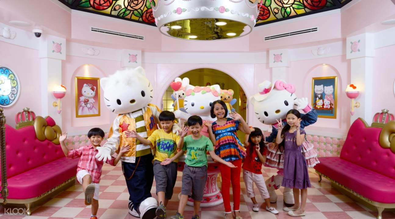 Hello Kitty Town & Thomas Town