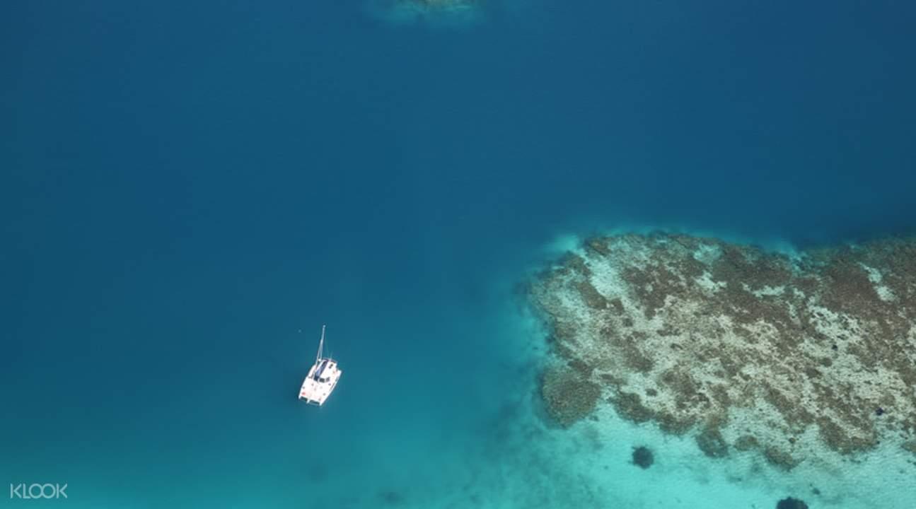 阿布洛霍斯群岛