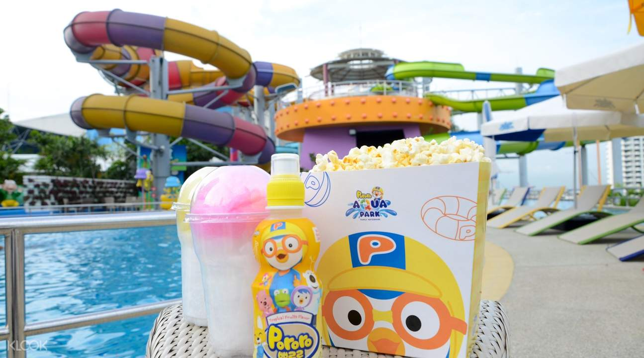 Food and drinks at Pororo AquaPark Bangkok in Thailand